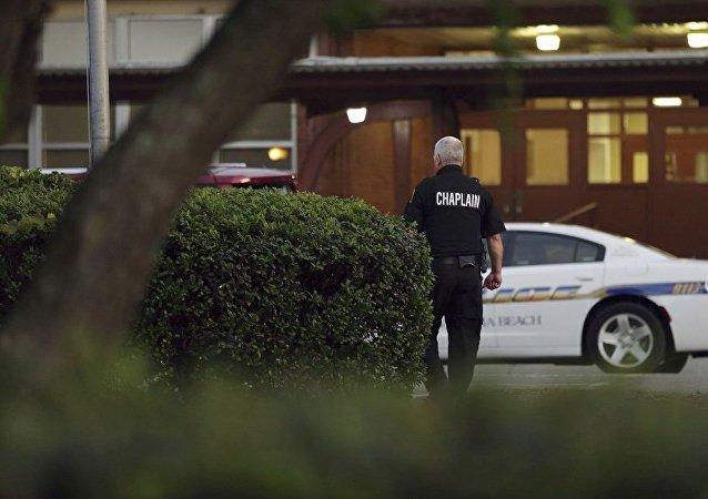美国警方:弗吉尼亚海滩城枪击案死亡人数已升至12人