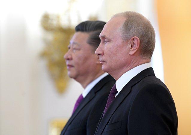 普京:俄坚定支持中方在香港维护国家安全的努力 反对任何破坏中国主权的挑衅行为
