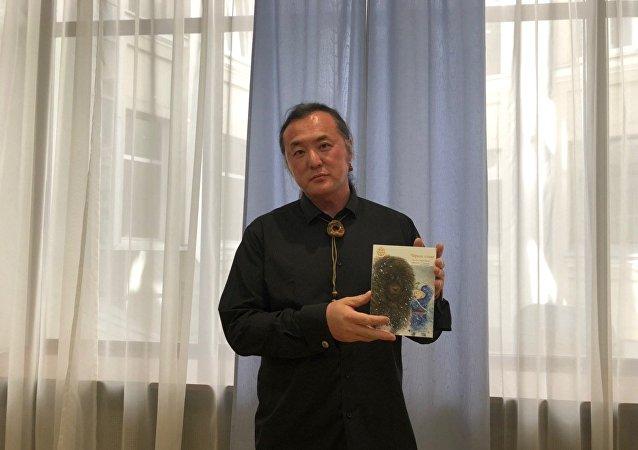中国蒙族儿童作家格日勒其木格·黑鹤