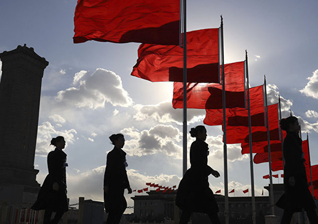 """中国将首次向功勋模范人物颁授""""共和国勋章""""和国家荣誉称号"""