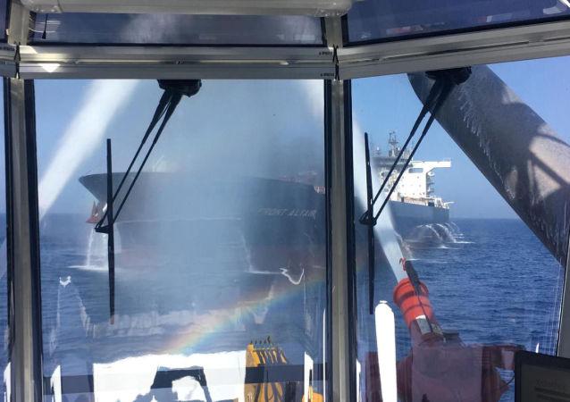 需要就阿曼湾油轮事件进行调查 并等待结果