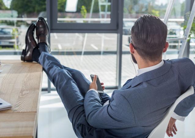 专家指出工作时间过长的一大危害