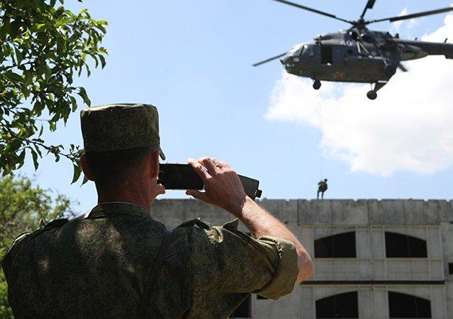 普京下令禁止军人执行公务时使用手机等移动设备