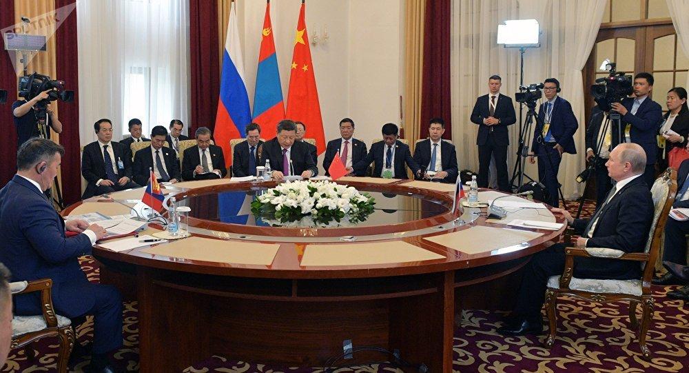 普京:俄罗斯愿意向中国和蒙古国能源不足地区保障不间断供电