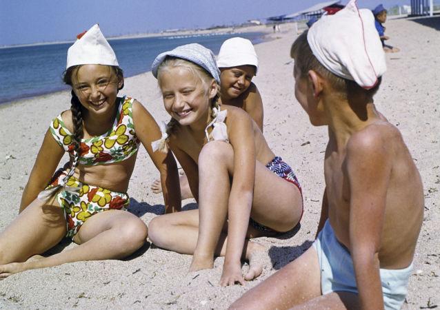 阿尔捷克国际儿童营(资料图片)