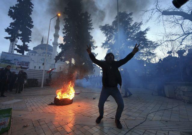 阿尔巴尼亚首都地拉那骚乱
