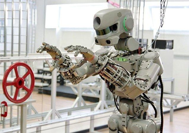 """""""费多尔""""机器人"""