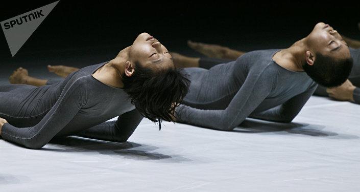 现代陶舞在莫斯科演出