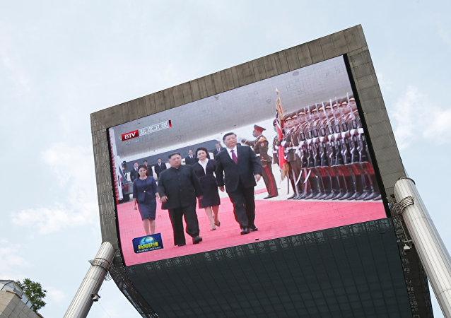 媒体:习近平结束对朝访问