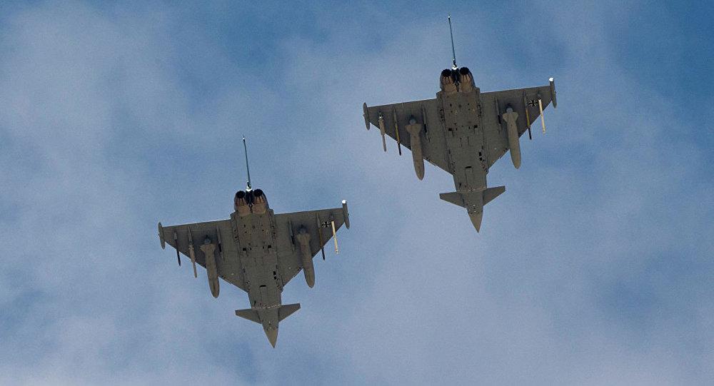 """德国空军两架欧洲""""台风""""战斗机(Eurofighter Typhoon)"""