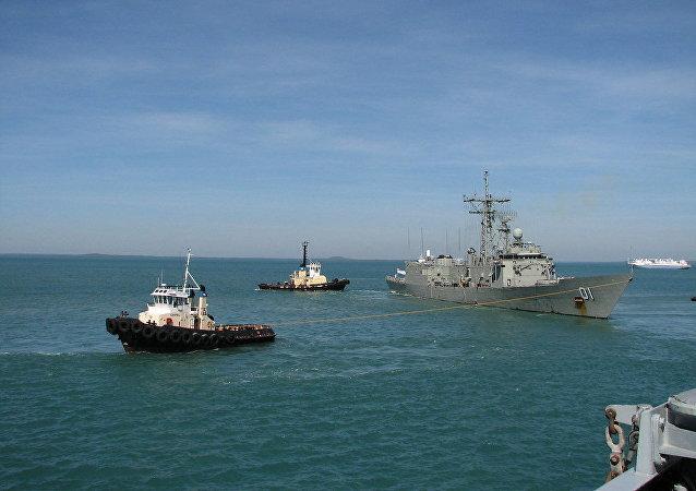 HMAS Adelaide Leaves the Port of Darwin