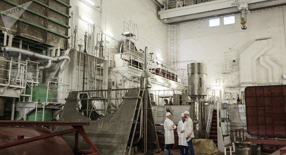 俄技术监督局发放世界首座浮动核电站装置的运营执照
