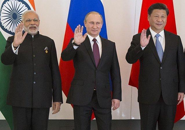 Россия Индия Китай