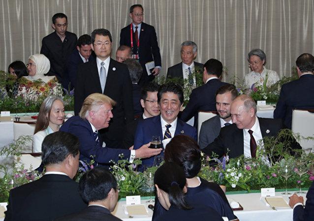 克宫对普京保温杯大热作出反应