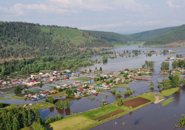 俄伊尔库茨克州洪灾导致313人住院