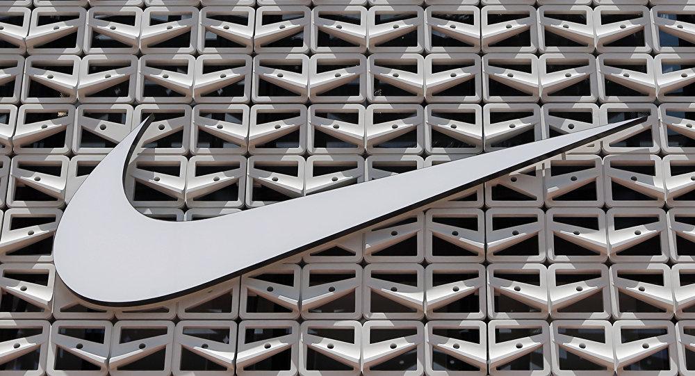 耐克因公众不满停售带美国第一面国旗图案的运动鞋