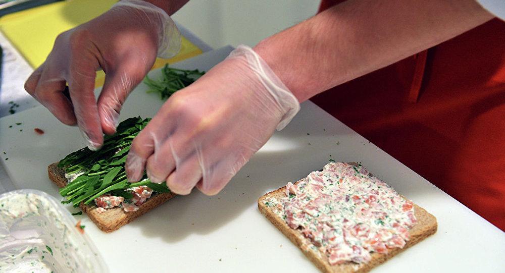 米其林星级主厨为法国医务人员做饭