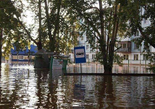 俄伊尔库茨克州州长:该州洪灾造成的初步损失高达4.6亿美元