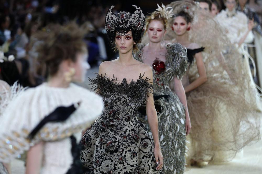 巴黎高定时装周