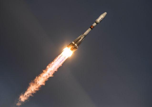 """第一颗监控北极地区气候的卫星""""北极-M""""已进入轨道"""