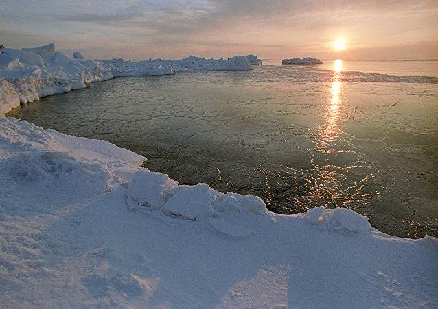 北极冰层融化将导致全球危机