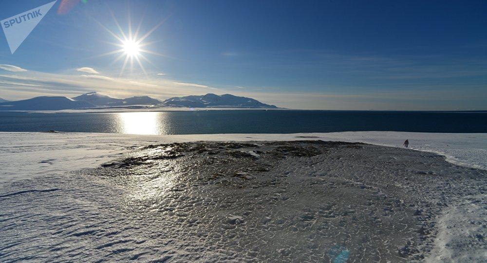 Вид на Северный Ледовитый океан с архипелага Шпицберген.
