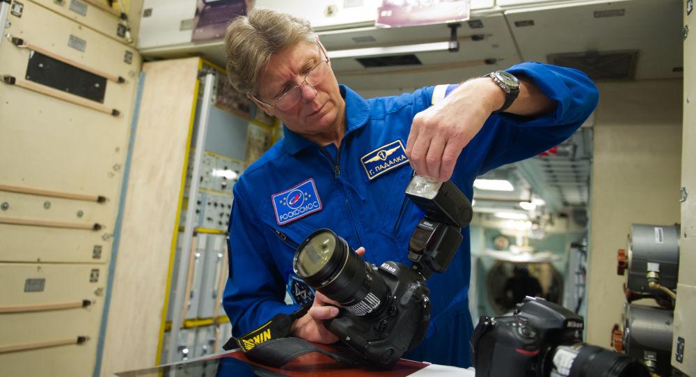 俄宇航员帕达尔卡环球飞行挑战途中停留毛里求斯