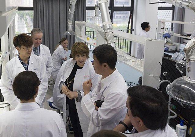 俄科学与高等教育部副部长参观深圳北理莫斯科大学