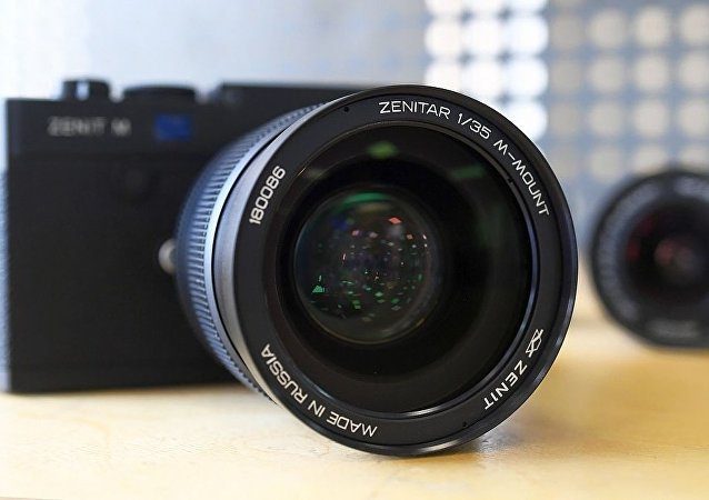 相机泽尼特-M(Zenit M)及其泽尼塔尔(Zenitar)1/35物镜