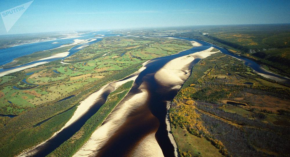 雅库特勒拿河