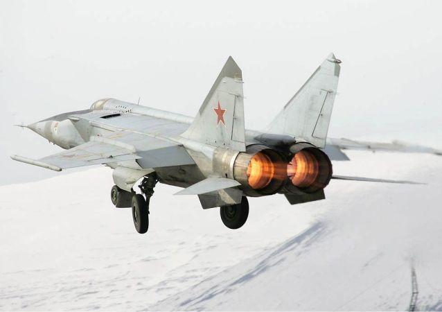 俄米格-25