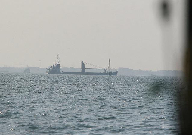伊斯兰革命卫队在波斯湾扣押一艘载有走私燃料的外国船只