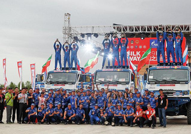普京祝贺卡玛兹大师车队在丝绸之路国际拉力赛中获胜