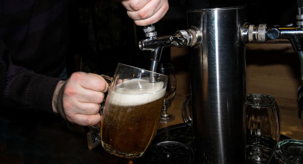 报告:脱欧后因税改英国酒吧啤酒消费或将更加便宜