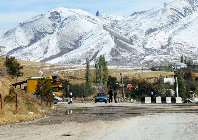 吉尔吉斯斯坦总统:吉塔边境局势已稳定