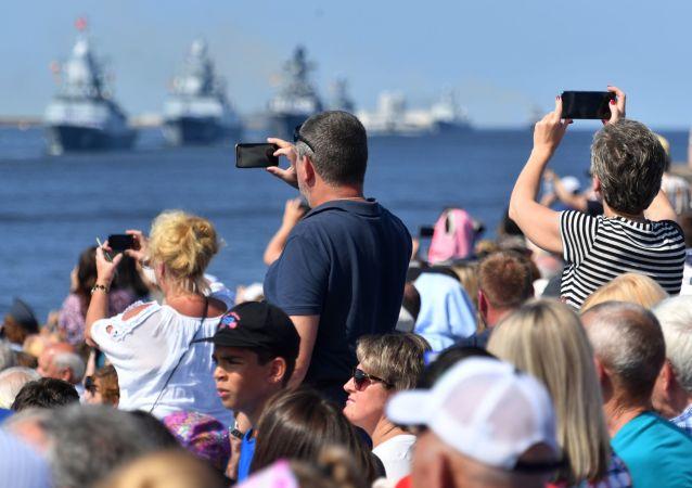 俄罗斯圣彼得堡7月26日举办的海上阅兵将有近50艘舰艇参加