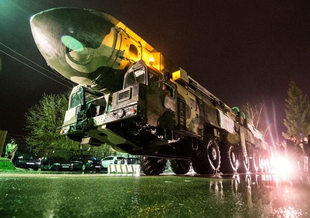 """""""白杨""""洲际战略导弹"""