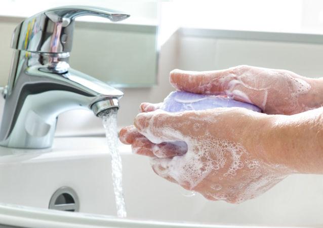 民调:新冠疫情背景下全球有四分之三的人开始勤洗手