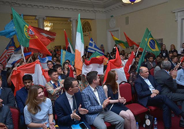 中国学生成为在圣彼得堡举行的国际经济学奥林匹克竞赛优胜者
