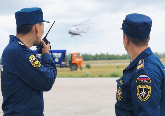 俄紧急救援人员