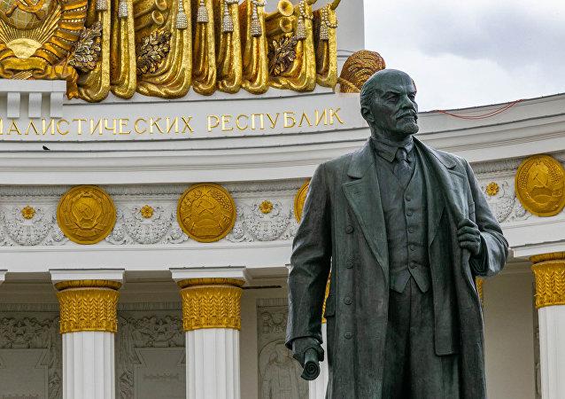 普京认为没有必要重新安葬列宁的遗体