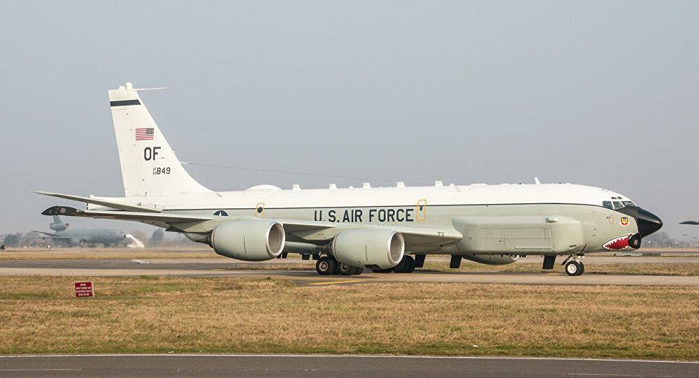 媒体:美空军一架RC-135U战略侦察机27日上午逼近广东海岸侦察