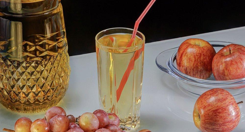 法国一豪华餐厅错把洗碗液当饮料端给客人