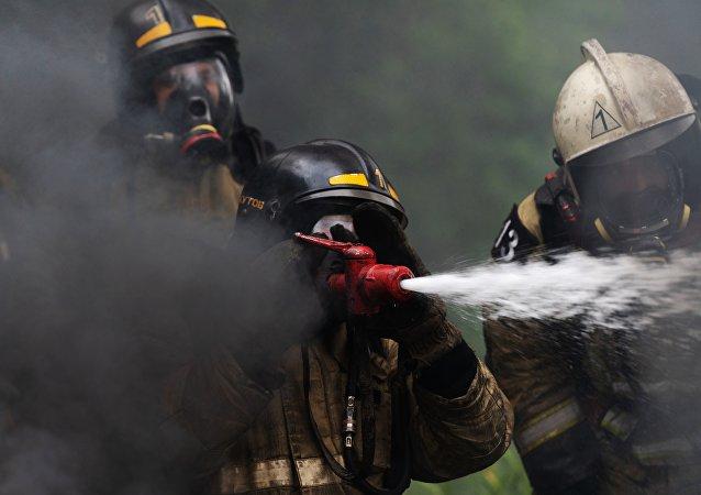 Сотрудники пожарной части