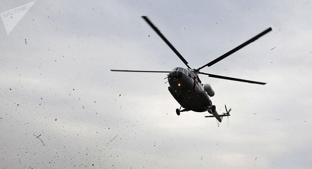 俄空天军直升机降落在前美军驻叙利亚基地