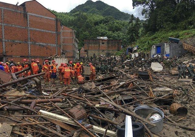 """台风""""利奇马""""已致浙江32人遇难"""