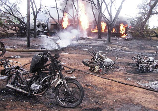 媒体:坦桑尼亚油罐车翻车起火事件死亡人数升至95人