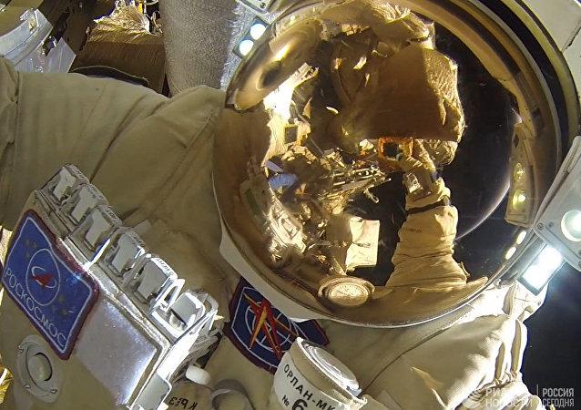 """今年的莫斯科航展将首次展出""""联邦""""号飞船的宇航服"""