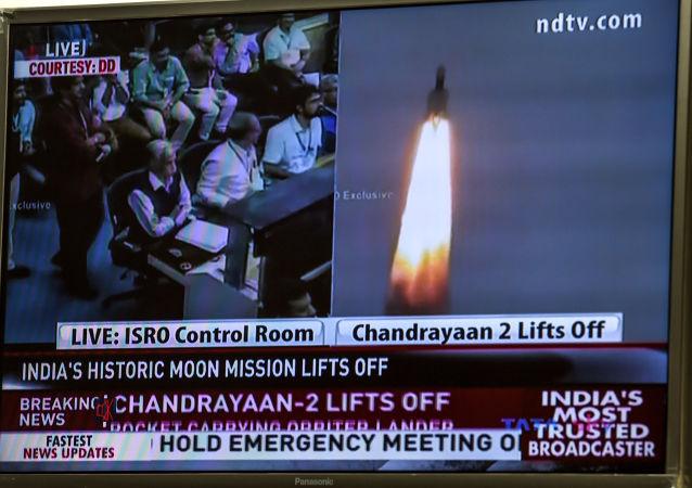 印度空间研究组织:月船-2号月球探测器离开地球轨道前往月球