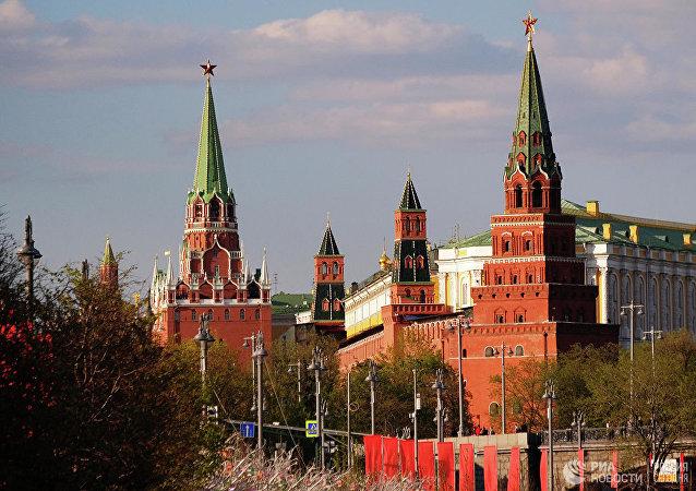 """普京与默克尔就""""诺曼底模式""""四国峰会的结果进行讨论"""
